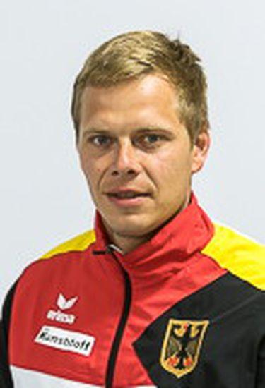 O técnico da equipe alemã de canoagem slalom Stefan Henze (foto) sofreu acidente de carro hoje junto com Cristian Katini, integrante da equipe técnica