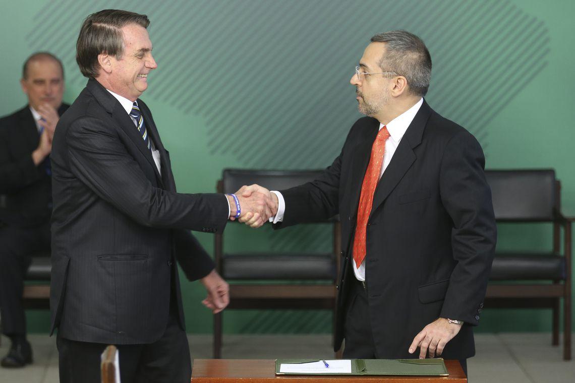 Resultado de imagem para ministro da educação agencia brasil