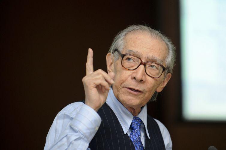 Ex-ministro do Planejamento João Paulo dos Reis Velloso morre aos 87 anos