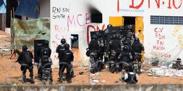 Policiais do Batalhão de Choque invadem a Penitenciária Estadual de Alcaçuz