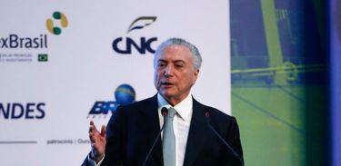 Rio de Janeiro - O Presidente da República, Michel Temer, discursa, durante à Solenidade de Abertura da XXXVI edição do Encontro Nacional de Comércio Exterior - ENAEX 2017 (Tânia Rêgo/Agência Brasil)