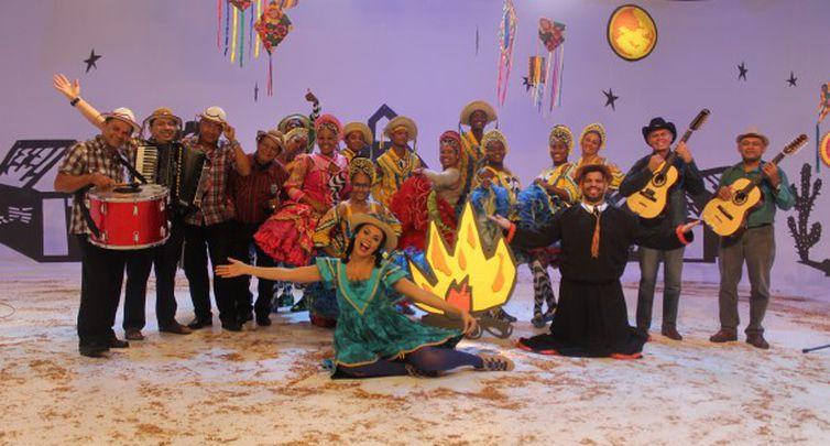 Brincando no Arraiá faz festa junina para a criançada