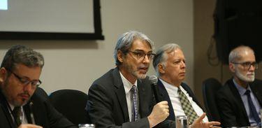 Brasília – Secretário de Mudança do Clima e Florestas, Everton Frask Lucero, durante a apresentação dos resultados do Projeto Indicadores de Vulnerabilidade da População à Mudança do Clima (José Cruz/Agência Brasil)