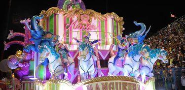 Mangueira participa do Desfile das Campeãs de 2016