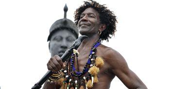 Rio de Janeiro -  Em comemoração ao Dia da Consciência Negra, grupos fazem homenagens junto ao Monumento a Zumbi dos Palmares, na região central do Rio de Janeiro.  (Tânia Rêgo/Agência Brasil