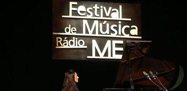 Pianista Fernanda Canaud em apresentação no Festival de Música Rádio MEC 2018