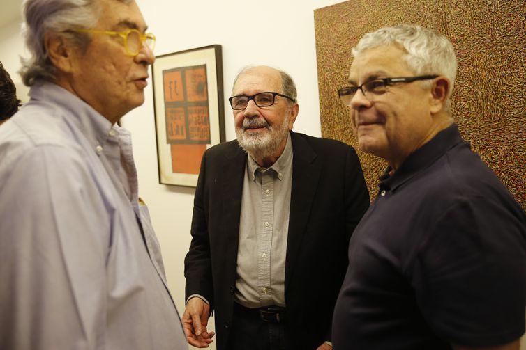 O cineasta Cacá Diegues é eleito para a cadeira 7 da Academia Brasileira de Letras.
