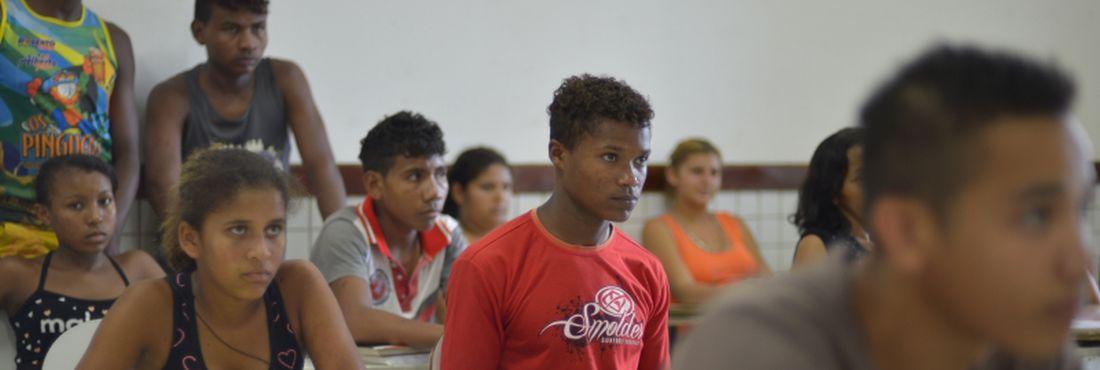 O Enem e as cotas sociais e raciais facilitam o acesso à universidade, mas, para o jovem quilombola, faltam ainda condições financeiras para se manter na cidade