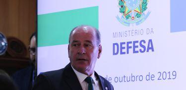 O ministro da Defesa, Fernando Azevedo, durante entrevista coletiva para apresentar os resultados alcançados pela Operação Verde Brasil e ainda sobre as últimas atividades realizadas pela Operação Amazônia Azul, Mar limpo é Vida, que desenvolve