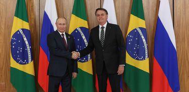 O presidente Jair Bolsonaro, durante encontro com o presidente da Federação da Rússia, Vladimir Putin