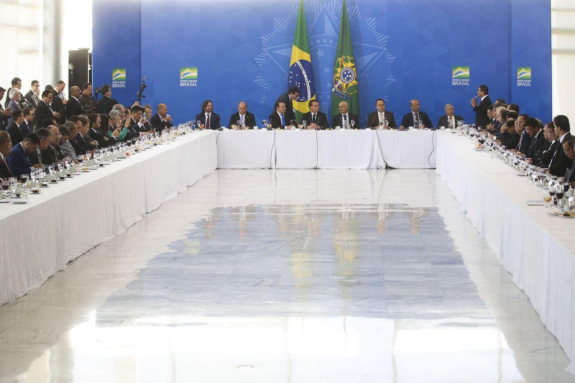O presidente Jair Bolsonaro toma café da manhã com a bancada da Frente Parlamentar Evangélica no Congresso Nacional.