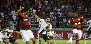 No último encontro entre os dois times, o Flamengo venceu o Vasco por um a zero
