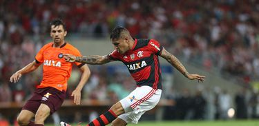 No último encontro entre os dois times, o Flamengo venceu o Atlético-PR por dois a um