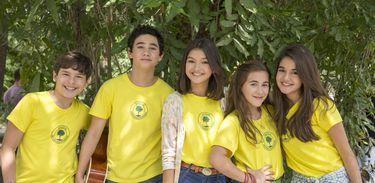Gaby Estrella e seus amigos da escola