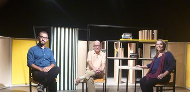Raphael Montes e Katy Navarro entrevistam o jornalista e escritor Arthur Dapieve