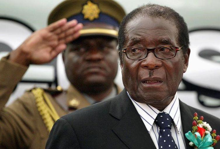 Presidente do Zimbábue, Robert Mugabe, durante evento em Harare (Reuters/Direitos Reservados)