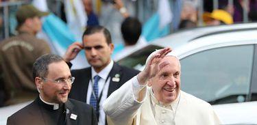 Papa Francisco chega ao Chile para uma visita de Estado