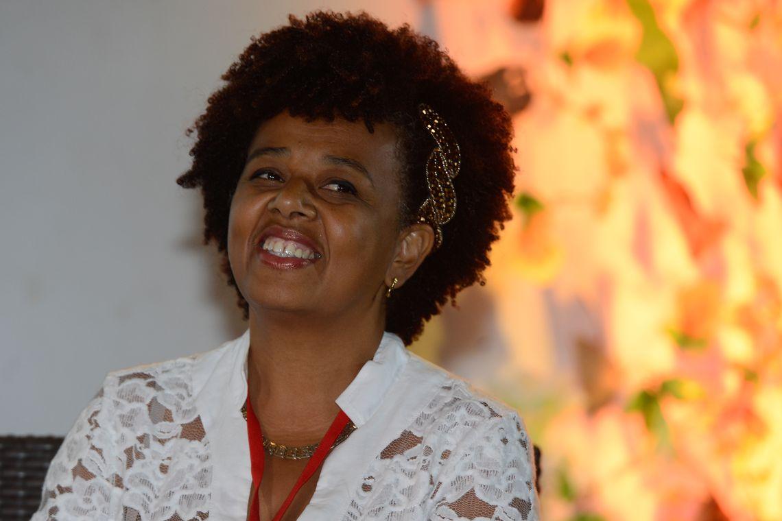Angela Gomes, engenheira florestal e ativista do MNU- MG, durante palestra Territórios Negros, fontes de sabedoria ancestral, no Festival Latinidades 2014 (Valter Campanato/Agência Brasil)