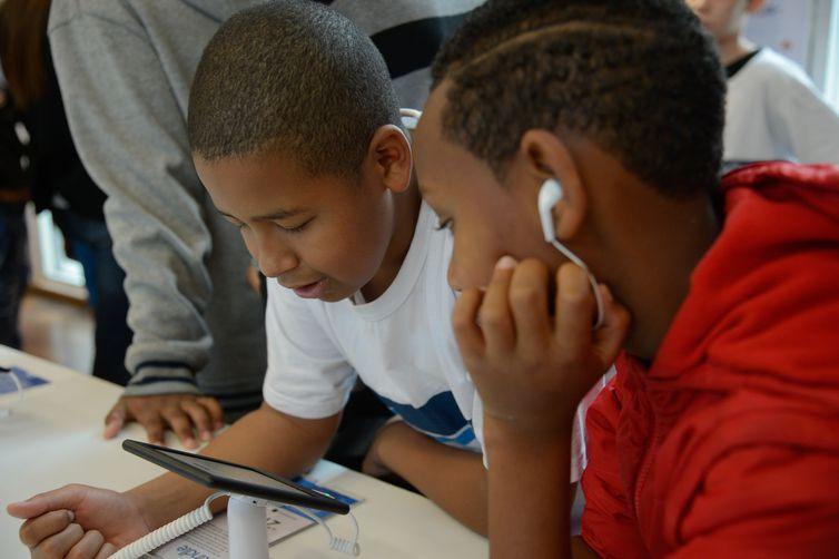 - .BNCC do ensino básico incluiu entre as competências que o aluno deve span id 'OBJ_PREFIX_DWT543_com_zimbra_date'  span id 'OBJ_PREFIX_DWT1169_com_zi