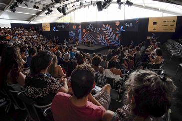 Mesa Barco Com Asas, na Festa Literária Internacional de Paraty (Flip)