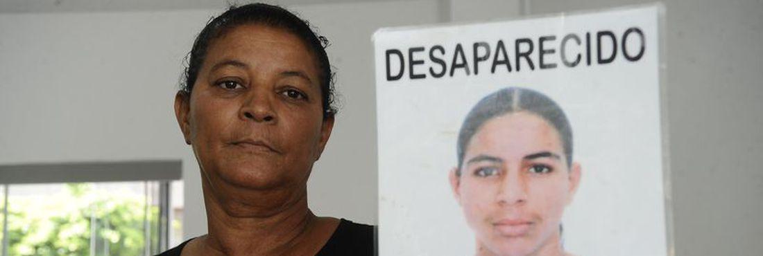Parentes denunciam à Anistia Internacional uma série de desaparecimento de jovens negros no estado da Bahia. Na foto, Iracema Barreiros Alves, mãe de Davi Barreiros Alves, desaparecido