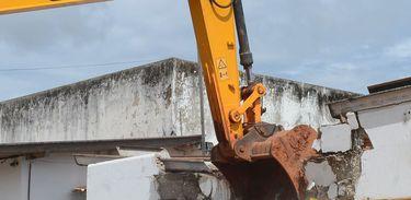 Justiça nega pedido do PTB para que Agefis pare de demolir construções ilegais
