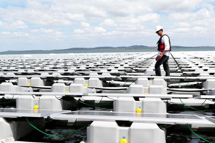 Usina Fotovoltaica Flutuante, da Companhia Hidro Elétrica do São Francisco