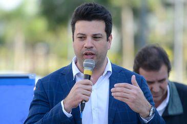 Rio de Janeiro - O ministro do Esporte, Leonardo Picciani fala durante entrega da Vila dos Atletas ao Comitê Organizador dos jogos olímpicos (Tomaz Silva/Agência Brasil)