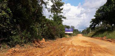 Assentados esperam conclusão da pavimentação da Estrada em Tabatinga