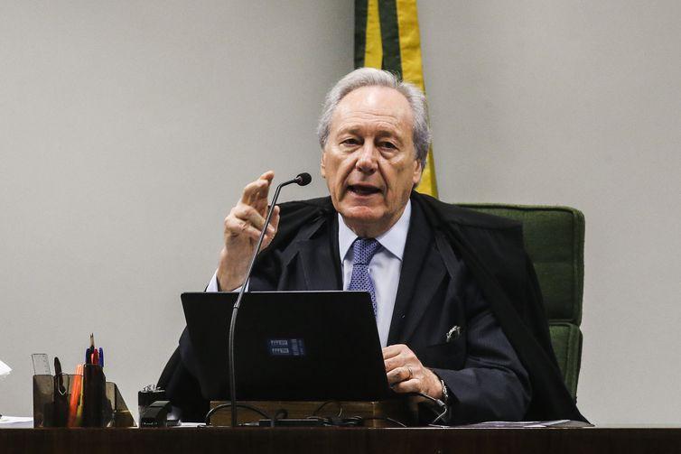 O ministro Ricardo Lewandowski durante sessão na Segunda Turma do Supremo Tribunal Federal (STF), para o julgamento de mais um pedido de liberdade para o ex-presidente Luiz Inácio Lula da Silva.