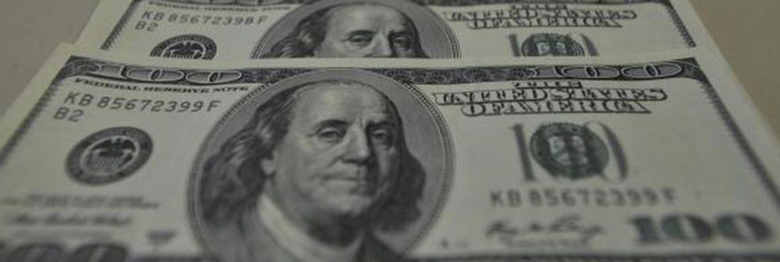 Fluxo cambial: mais dólares no país
