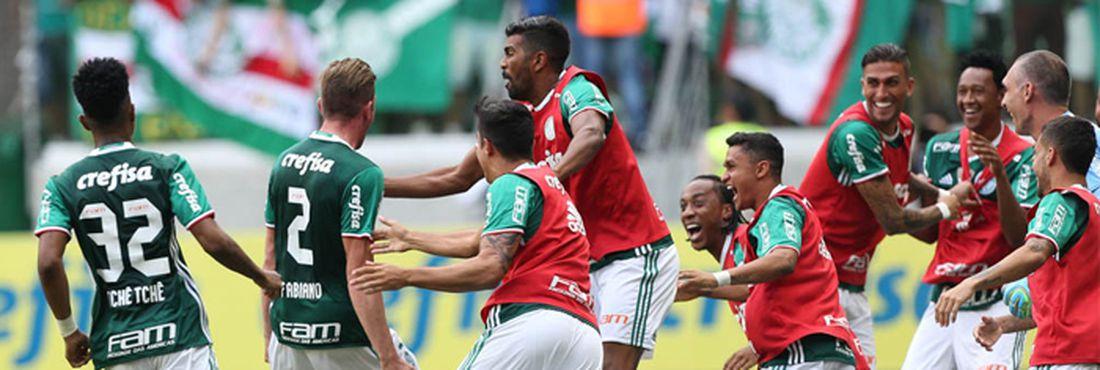 Palmeiras vence Chapecoense e conquista Campeonato Brasileiro