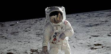 Astronauta Buzz Aldrin na superfície da Lua em 1969