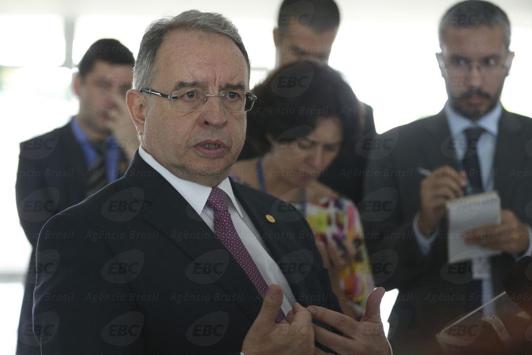 Brasília - O presidente da Câmara Brasileira da Indústria da Construção – CBIC, José Carlos Martins fala aos jornalistas após encontro com o presidente Michel Temer (José Cruz/Agência Brasil)