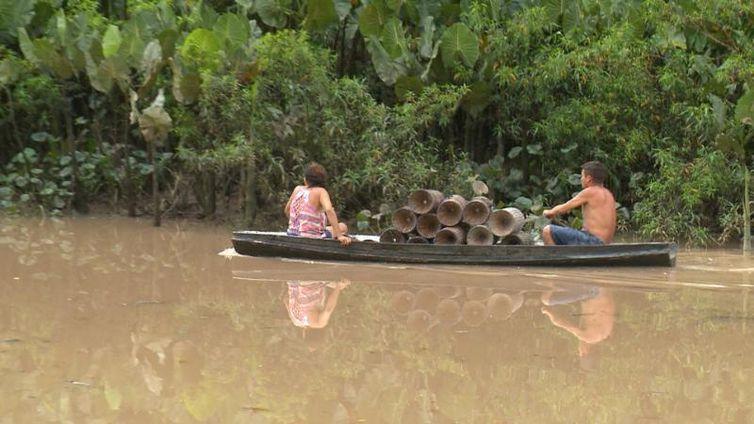 Rio poluído em Barcarena