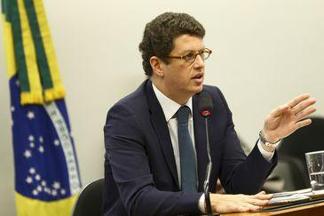 O ministro do Meio Ambiente, Ricardo Salles, participa de audiência pública na Comissão de Meio ambiente e Desenvolvimento Sustentável da Câmara dos Deputados.