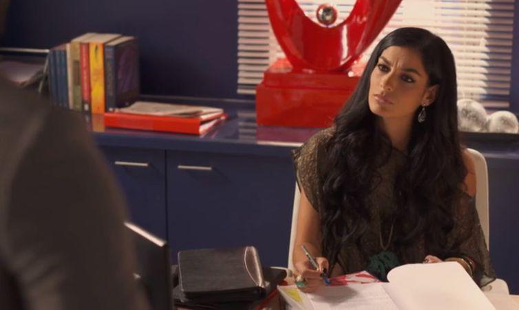 Bianca conversa com Greg