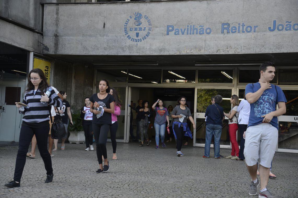 Rio de Janeiro - A Universidade do Estado do Rio de Janeiro (Uerj) realizou a primeira fase de seu vestibular 2018, foram 37.393 mil inscritos na edição deste ano (Tomaz Silva/Agência Brasil)