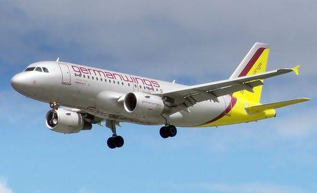 Airbus A320 cai no sul dos Alpes franceses com 148 pessoas