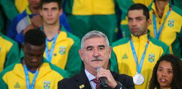 O secretário de Esportes, Décio Brasil