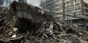 Escombros de prédio que desabou em São Paulo