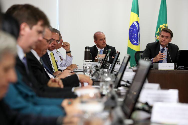 O presidente Jair Bolsonaro coordena reunião do Conselho de Governo.