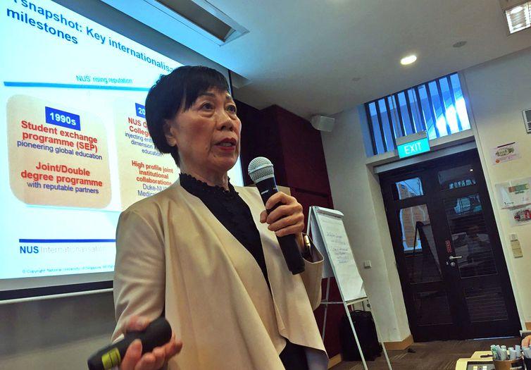 Anne Pakir, da Universidade Nacional de Singapura