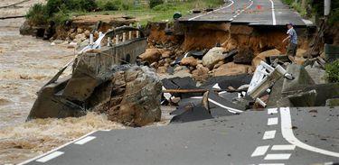 Tempestades no Japão deixam 38 mortos