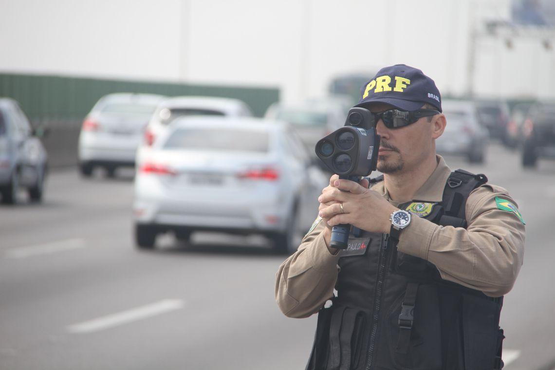 Operações da Polícia Rodoviária Federal (Divulgação/PRF) radar móvel