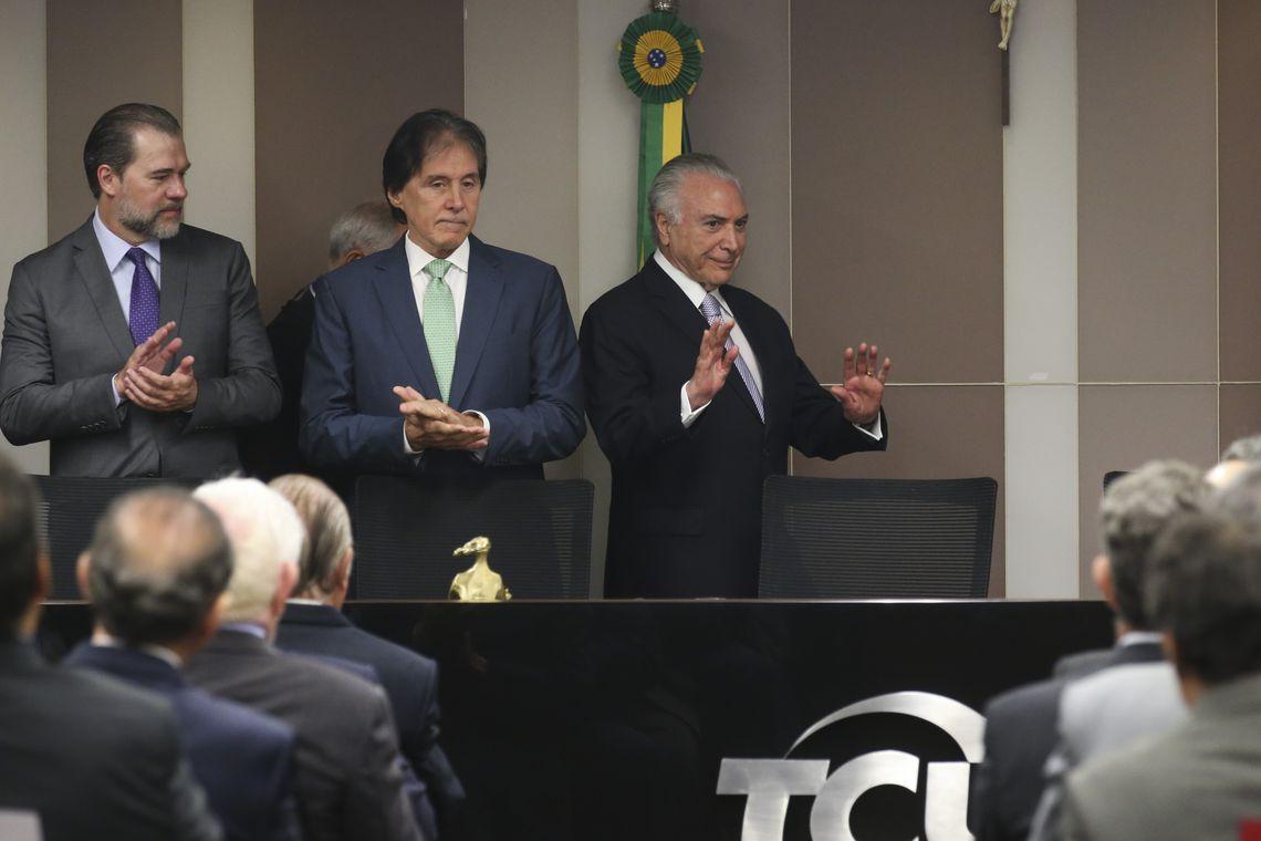 Os presidentes do STF, Dias Toffoli, do Senado, Eunício Oliveira, e da República, Michel Temer, participam da posse do novo presidente do TCU, José Múcio Monteiro Filho, e da vice-presidente da Corte, Ana Lucia Arraes Alencar.