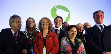 Parlamentares participam de conferência no Fórum da Água