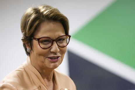 A nova ministra da Agricultura, Tereza Cristina, assume o cargo, faz pronunciamento e dá posse aos novos secretários da pasta.
