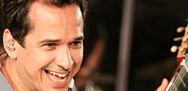 Músico e compositor Zé Paulo Becker