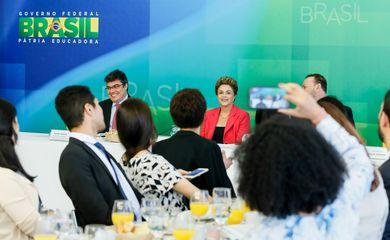 Brasília - DF, 07/01/2016. Presidenta Dilma Rousseff durante café da manhã com jornalistas-setoristas do Palácio do Planalto. Foto: Ichiro Guerra/PR